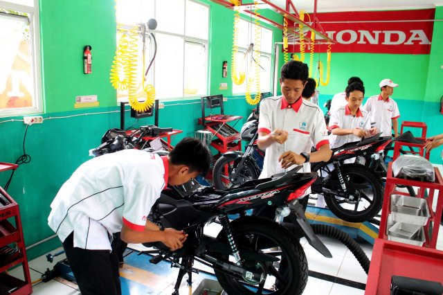 activity-smk-tsm-astra-honda_002
